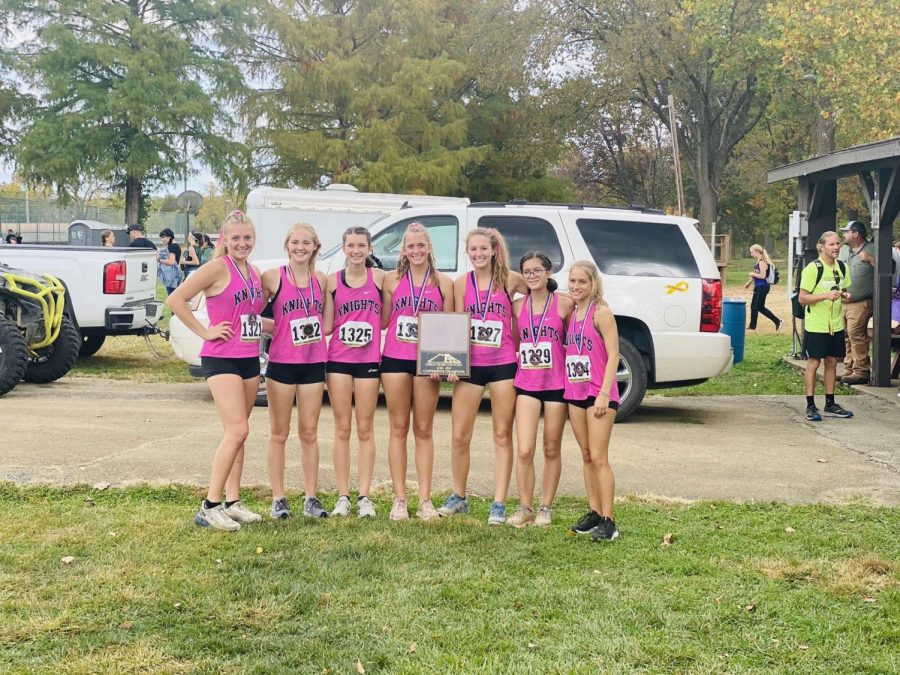 Farmingtons Cross Country varsity girls taking the 1st place victory at the conference meet in Potosi Missouri on October 10, 2020.